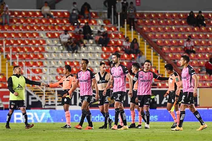 mceu 17157023021602903615165jpg 2020101622015 - Rayos gana en su cancha en el regreso del público en Liga MX